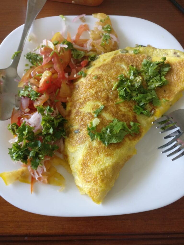 omelette and salad